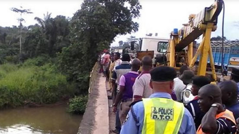 Driver Missing As Vehicle Plungs Into Ogun River