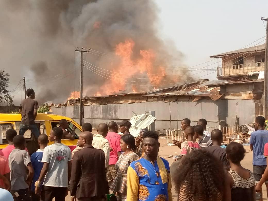 Fire Razes Ekiosa Market, Edo Development Agency Building