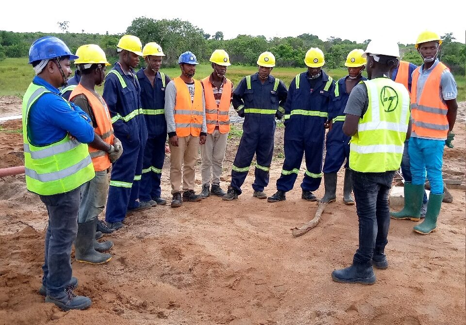 Shukrani Nyalusi conducting a site meeting at the Tanzania SGR electrification project form Dar to Morogoro. Safety Still Unpopular Among Tanzanian Workers – Practitioners