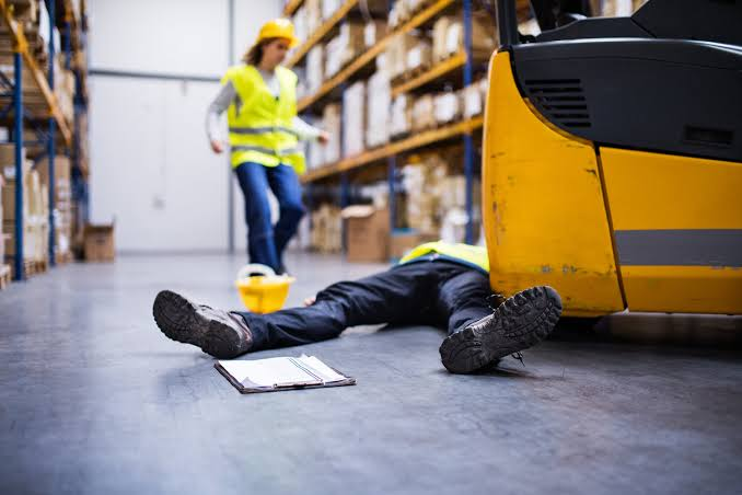 AN AGE FOR SAFETY?DEATH AMONG TEENS AND YOUNG WORKERS