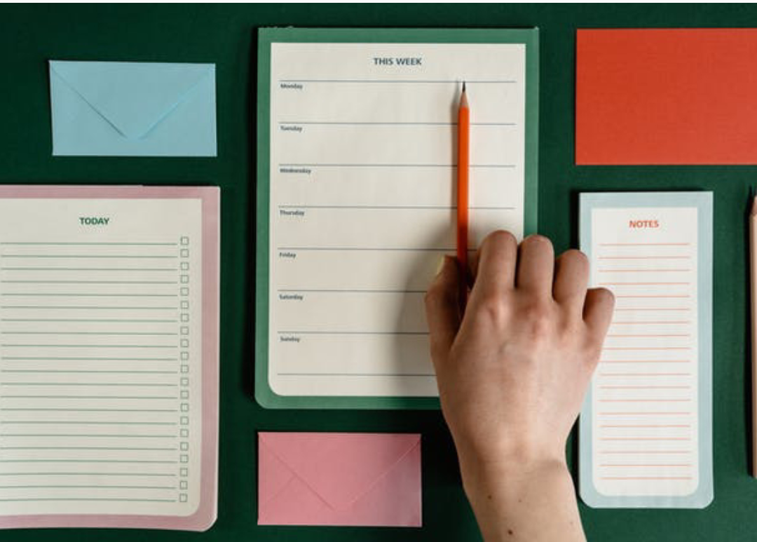 How to prepare a visible to-do list for an active workplace routine